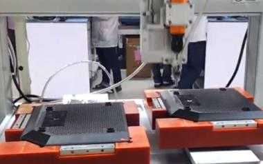 电脑外壳吹式全自动锁螺丝机视频